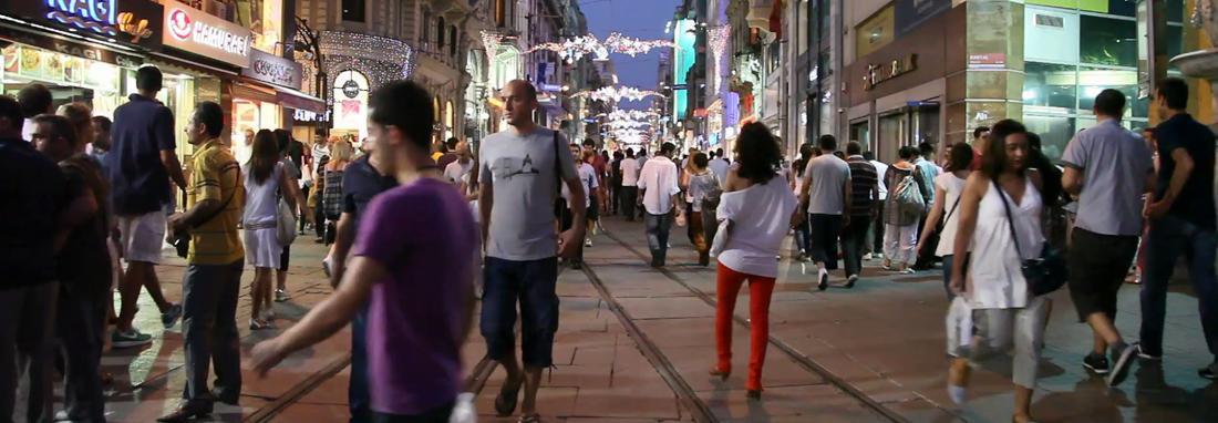 تور استانبول؛ سه شب 5 میلیون تومان! ، افزایش عجیب نرخ تورها در روزهای شلوغ ایرانی ها در ترکیه ، مقایسه قیمت ها با نرخ های سال 97