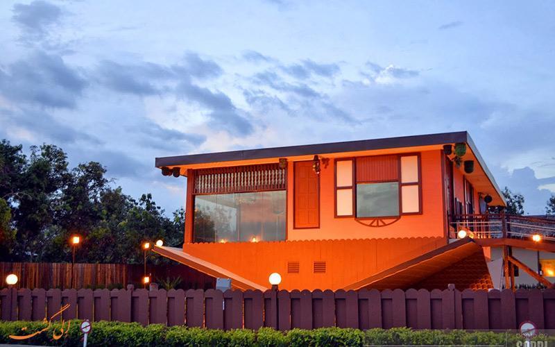 همه وسایل این خانه از سقف آویزان است!