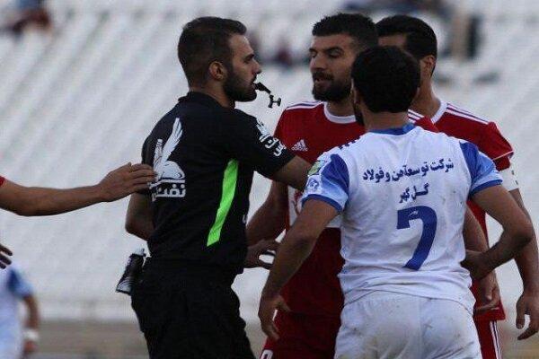 درگیری خانزاده و برزای، بنر جالب هواداران شیرازی تراکتور