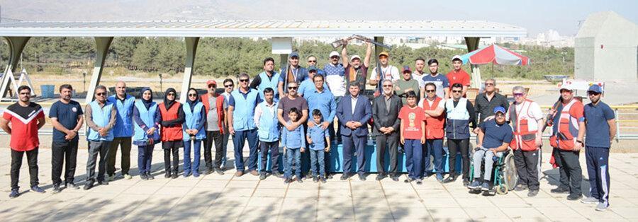 آقاجانی قهرمان مسابقات تک مرحله ای تیراندازی به اهداف پروازی شد