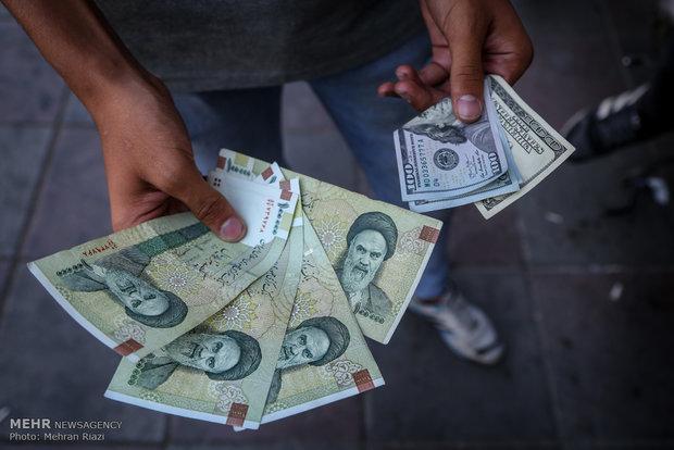 نرخ 12 ارز کاهش یافت، دلار همچنان 4200 تومان