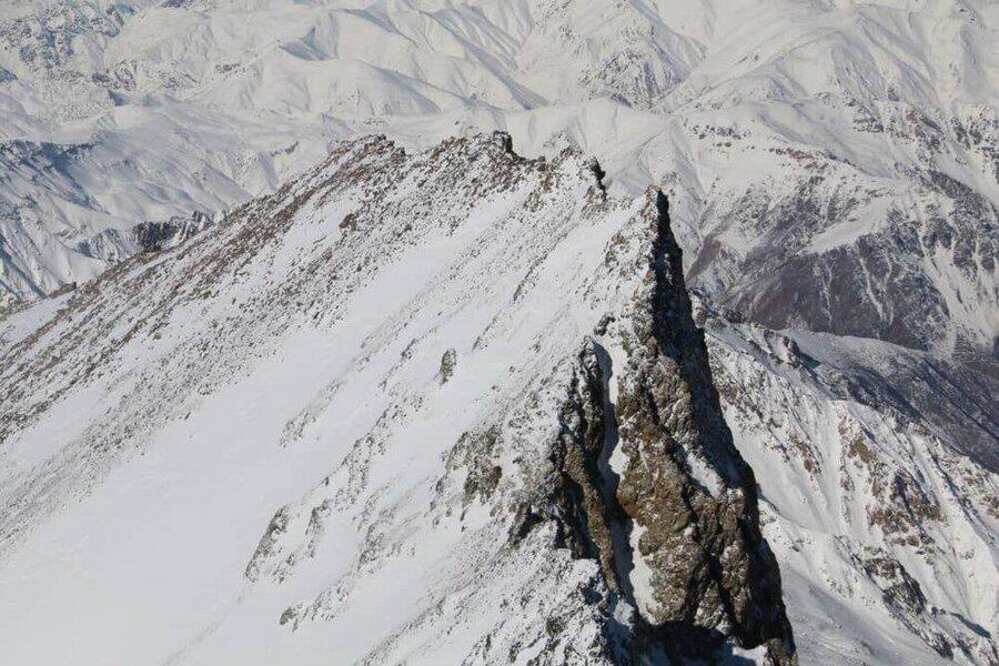 پیکر کوهنوردی شیرازی در علم کوه کلاردشت پیدا شد