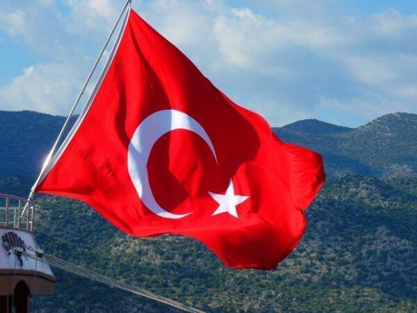حمله ارتش ترکیه به پایگاه های دولتی سوریه