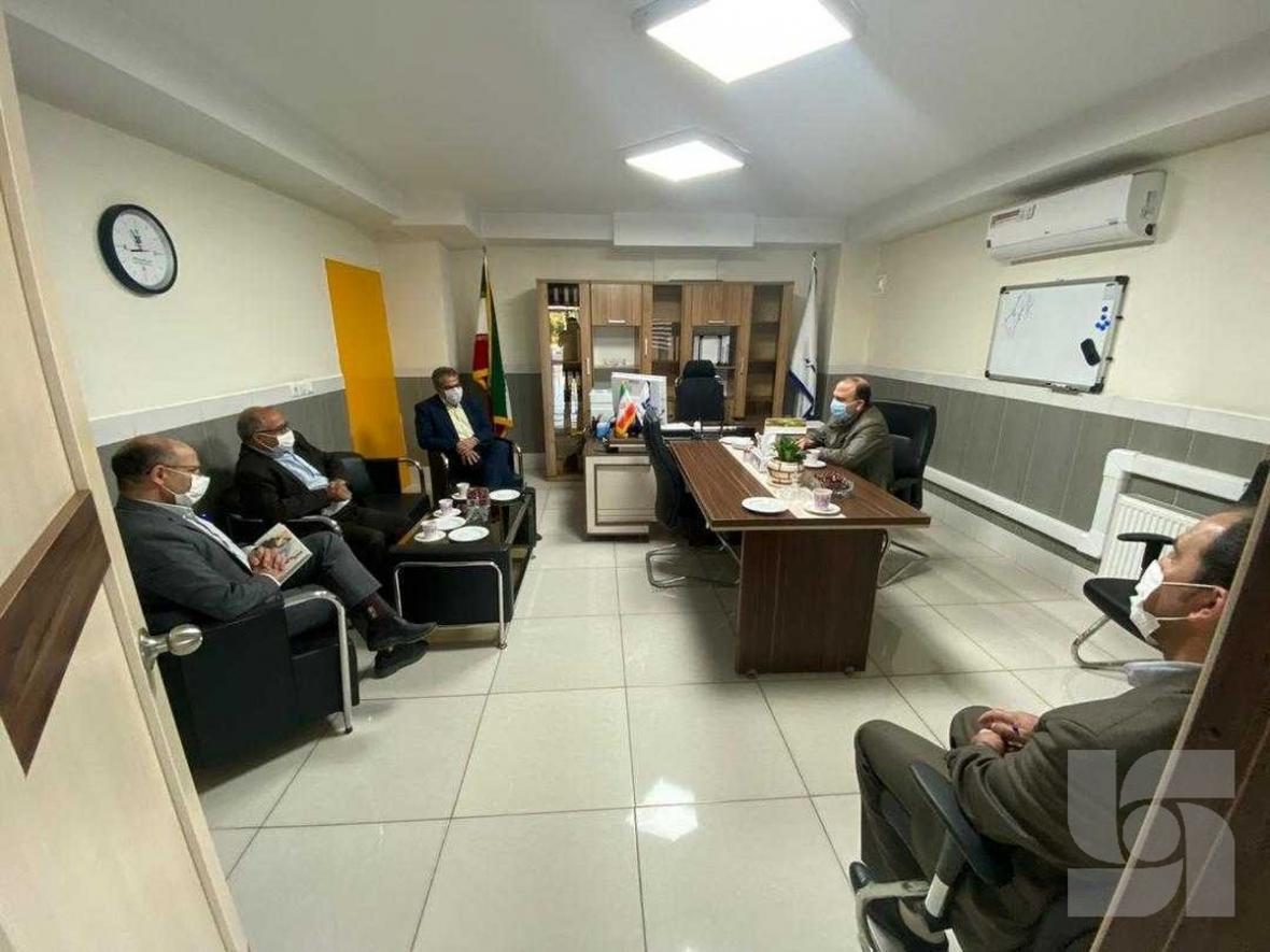 بازدید سرزده مدیرکل کمیته امداد استان زنجان از شعبه بیمه سرمد