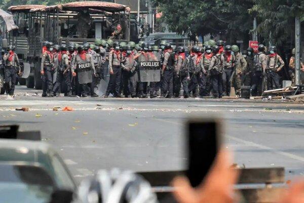 وزیران دفاع 12 کشور سرکوب خونین اعتراضات میانمار را محکوم کردند