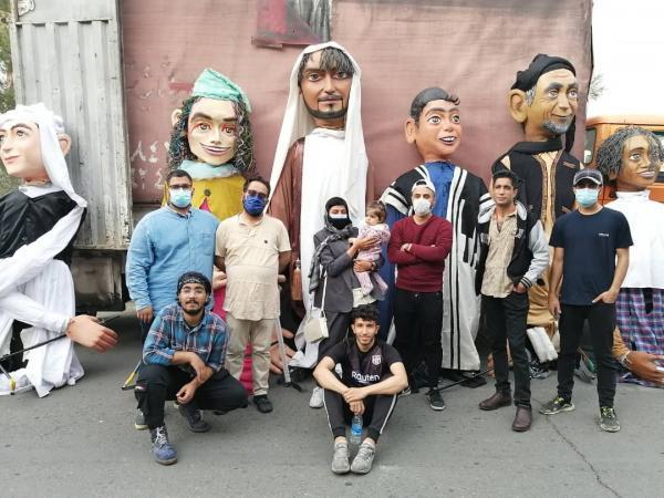 حضور عروسک های غولپیکر خارک در برنامه کارناوال های شاد فرا رسیدن بهار 1400 تهران