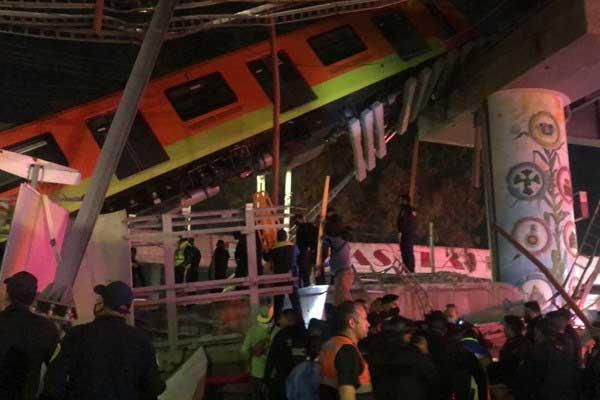 ده ها زخمی در پی فرو ریختن پل قطار در مکزیکوسیتی