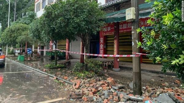 اعزام نیروهای امدادی به منطقه ها زلزله زده در سیچوانِ چین